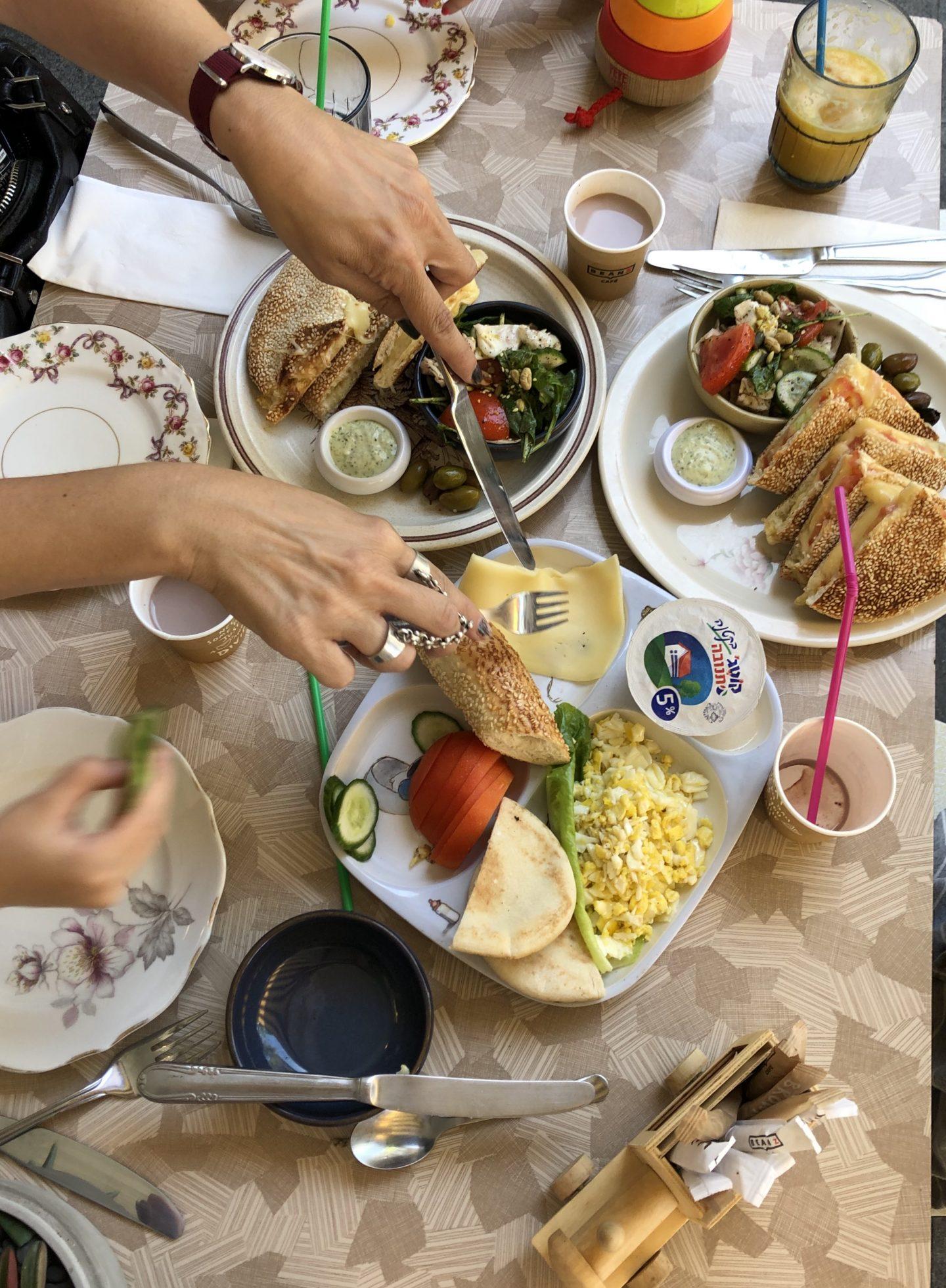 קפה דיומא וחנות ילדותא חיפה