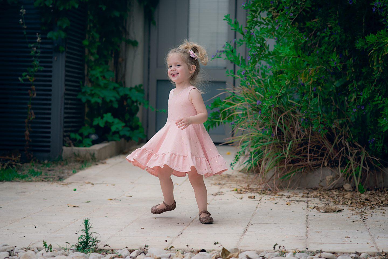 אין מה לעשות איתה, היא רק רוצה שמלות