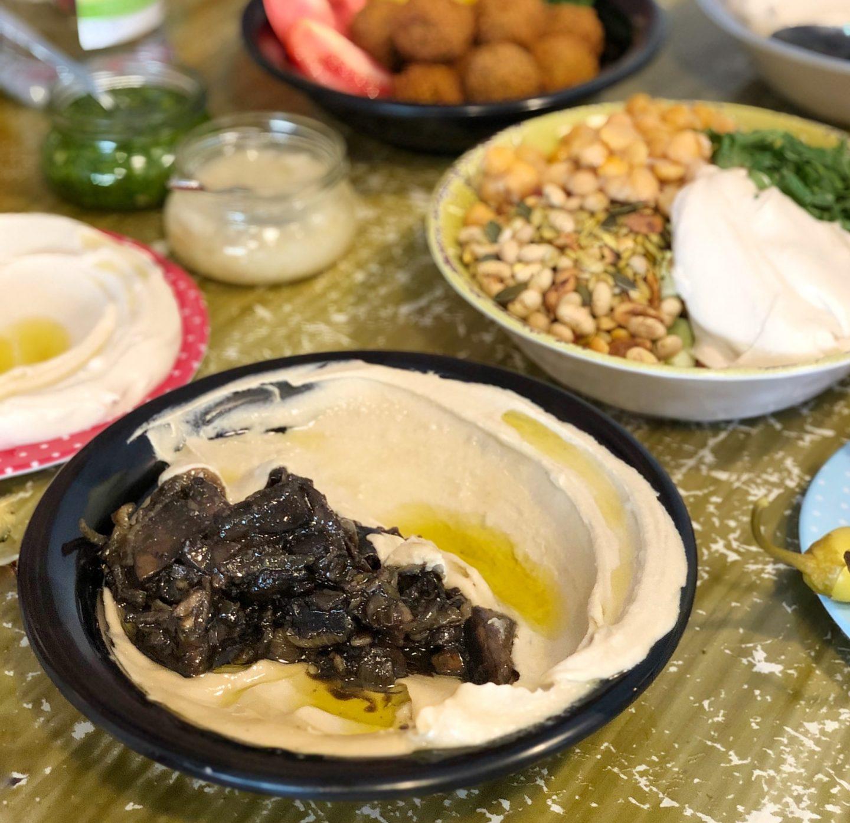 חומוס אליעזר חומוסיה בחיפה שירי ויצנר