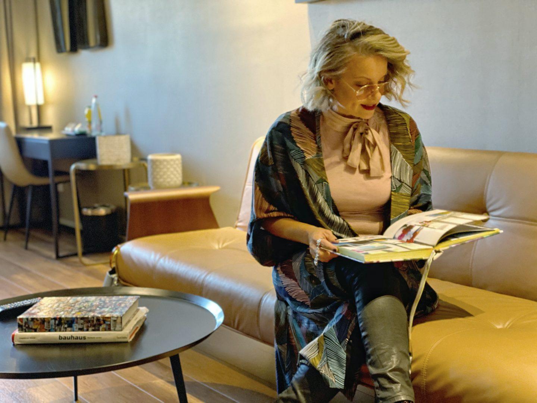 מלון גולדן קראון חיפה מדריך החג של החגים שירי ויצנר