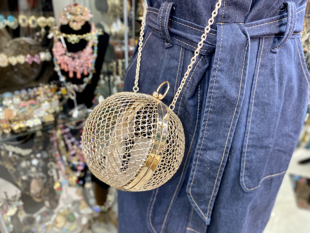 האוסף של סוליי חנות וינטג׳ יד שניה שירי ויצנר בלוג חיפאית2