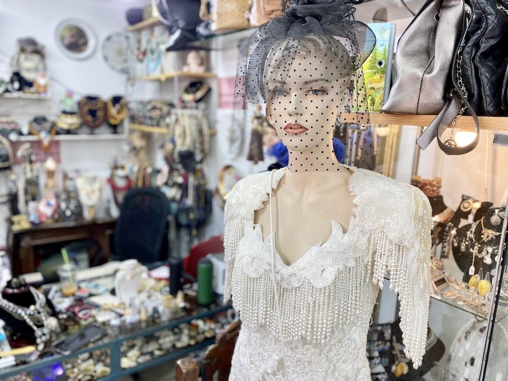 האוסף של סוליי חנות וינטג׳ יד שניה שירי ויצנר בלוג חיפאית4
