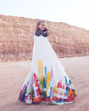 צילום אופנה ישראלית, שמלה לבנה במדבר הנגב