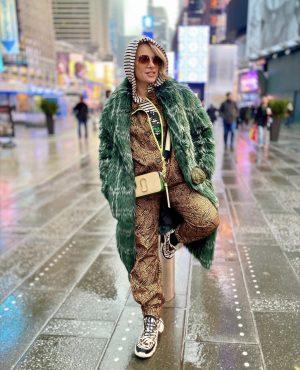שירי ויצנר בשבוע האופנה של ניו יורק, טיימס סקוור מנהטן, ארצות הברית