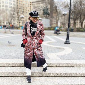 שבוע האופנה ניו יורק כיכר יוניון סקוור אאוטפיט לארה רוסנובסקי