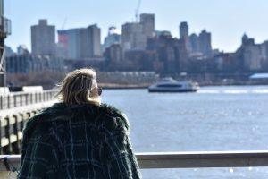 שירי ויצנר מטיילת ב pier 17, מנההטן, בשבוע האופנה של ניו יורק, טיולים, נסיעות, שבוע האופנה, אופנה, שירי ויצנר, בלוג המלצות על ניו יורק