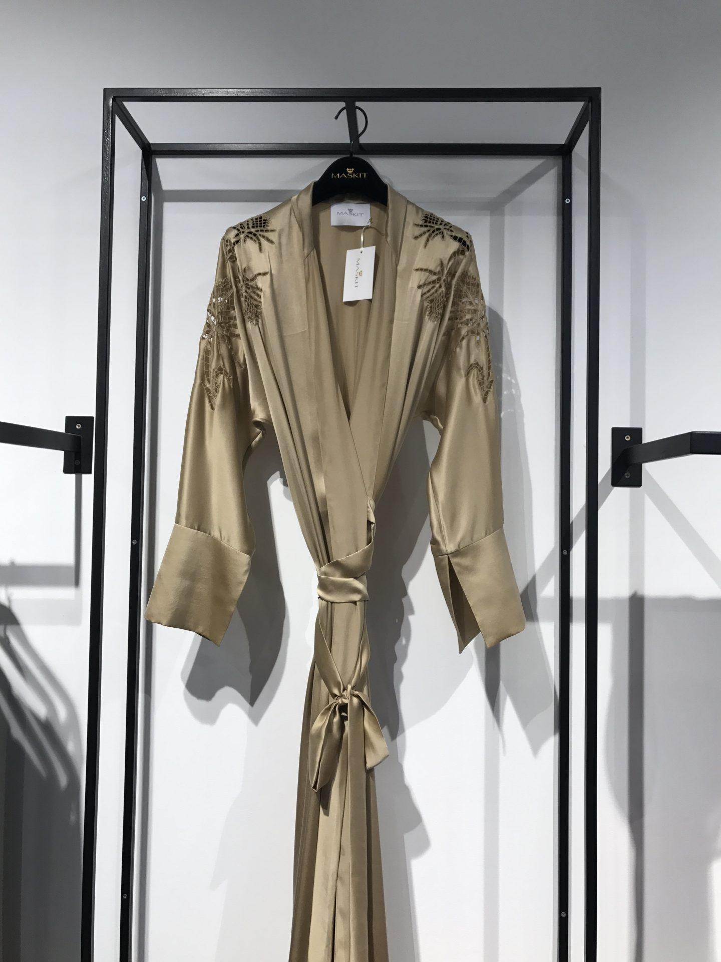 קימונו של בית האופנה משכית עיצוב שרון טל צילום שירי ויצנר
