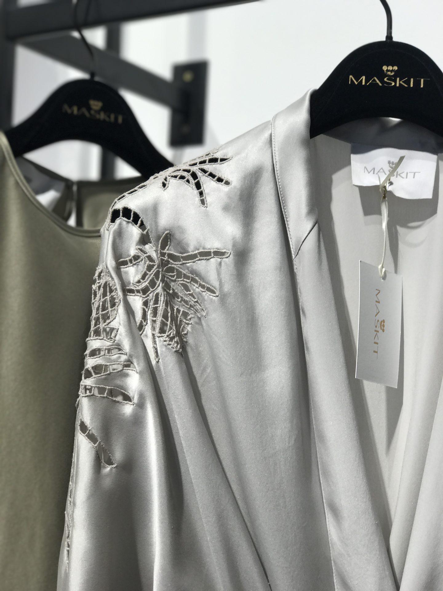 קימונו של שרון טל משכית בית האופנה יפו
