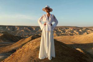 שמלה של משכית, פוסט פרידה מרות דיין, עיצוב שרון טל, צילום אייל נבו