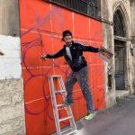 אמן גרפיטי בעבודה שיבת ציון חיפה