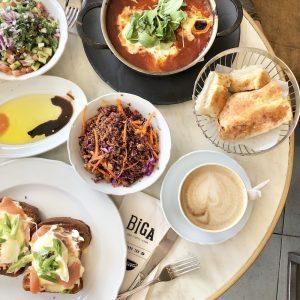 ארוחת בוקר קפה שקשוקה וסלט ביגה חורב חיפה כשר מומלצות בחיפה