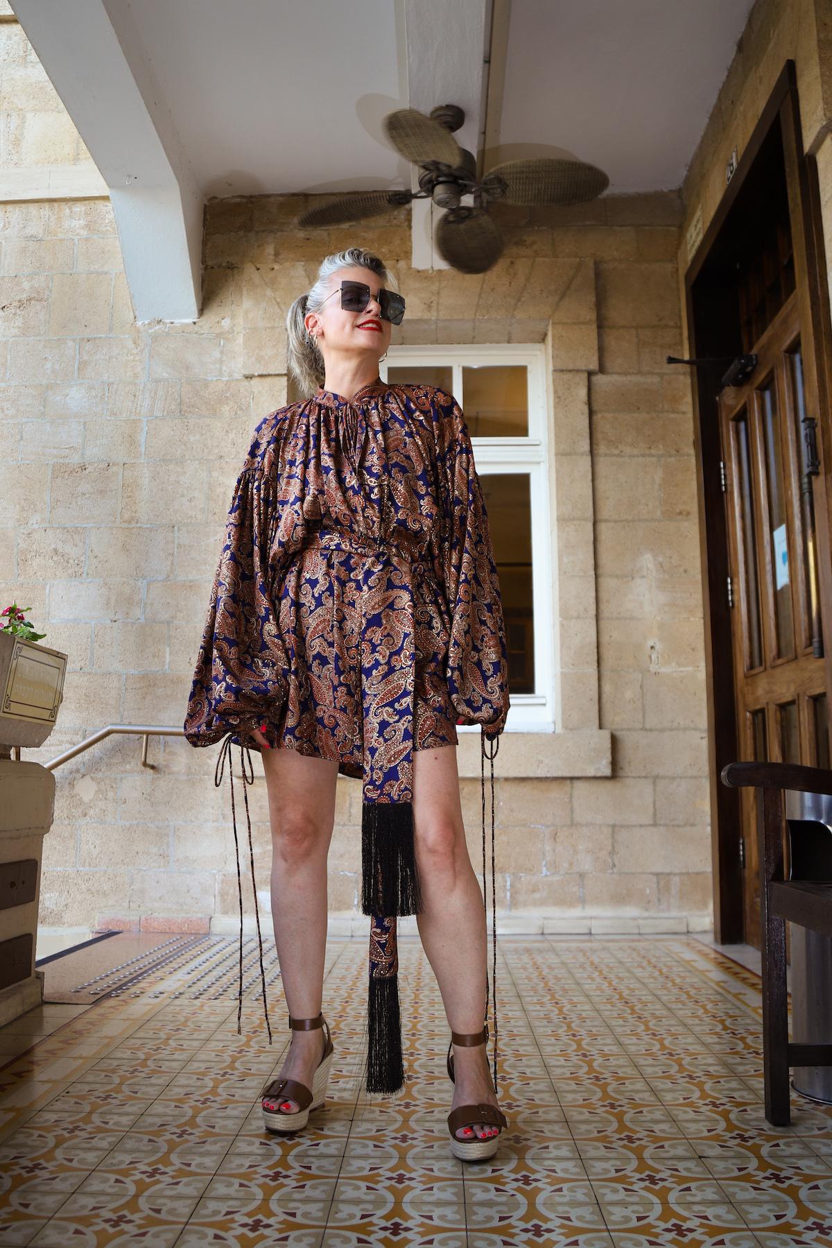 שירי ויצנר חיפאית לובשת אריאל טולדנו שמלת סולטנה עגילים רובי סטאר אתר מארק אופנה ישראלית12