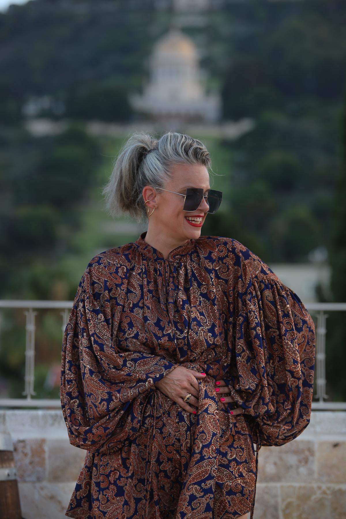 שירי ויצנר חיפאית לובשת אריאל טולדנו שמלת סולטנה עגילים רובי סטאר אתר מארק אופנה ישראלית14