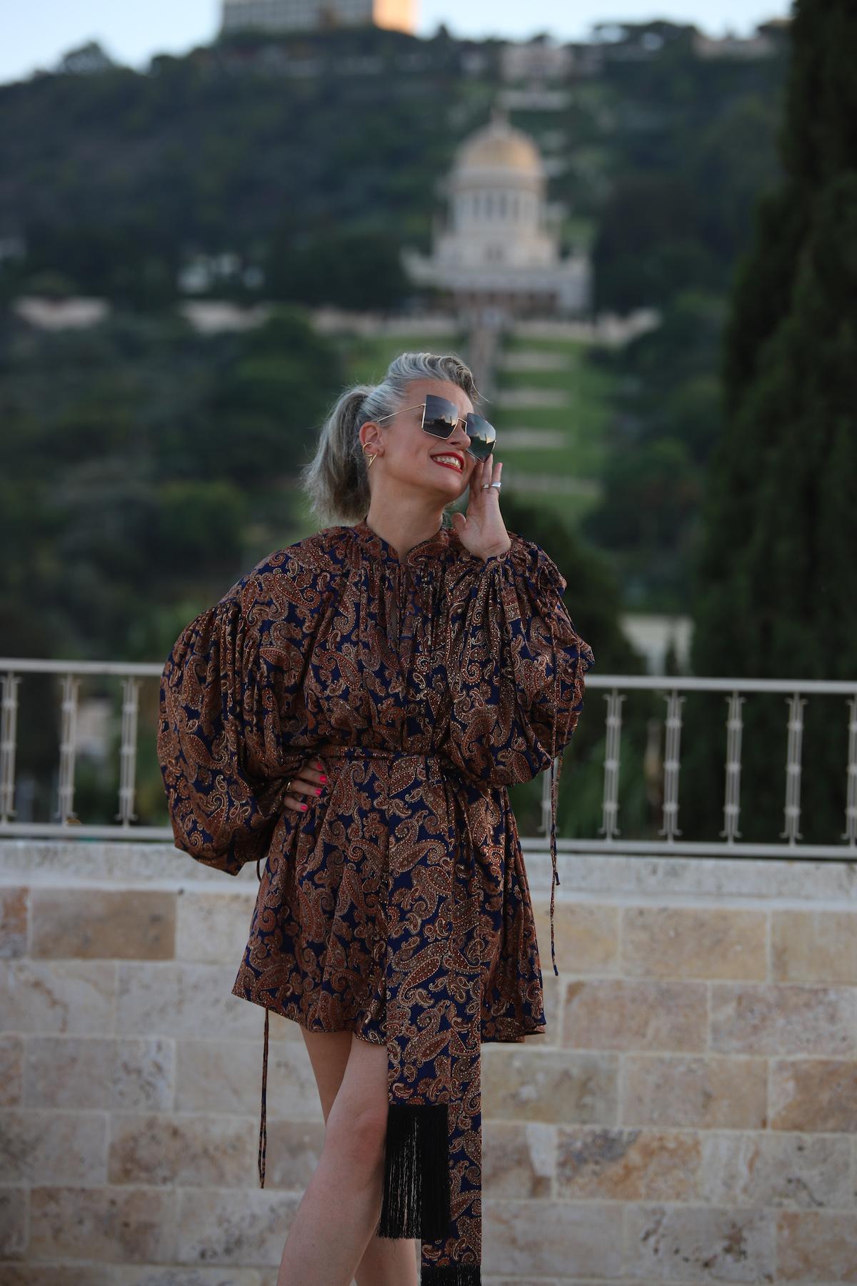 שירי ויצנר חיפאית לובשת אריאל טולדנו שמלת סולטנה עגילים רובי סטאר אתר מארק אופנה ישראלית15