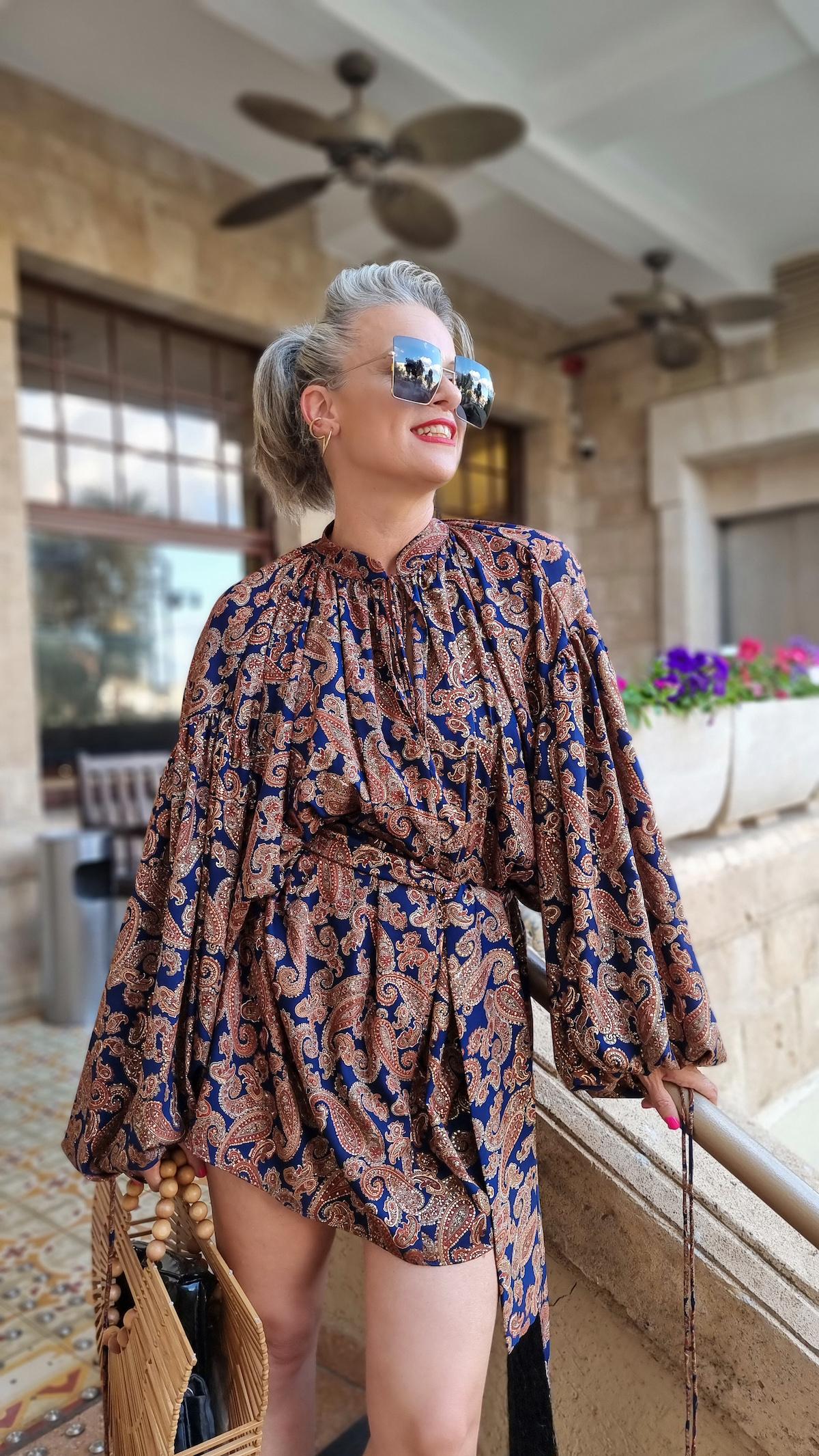 שירי ויצנר חיפאית לובשת אריאל טולדנו שמלת סולטנה עגילים רובי סטאר אתר מארק אופנה ישראלית3