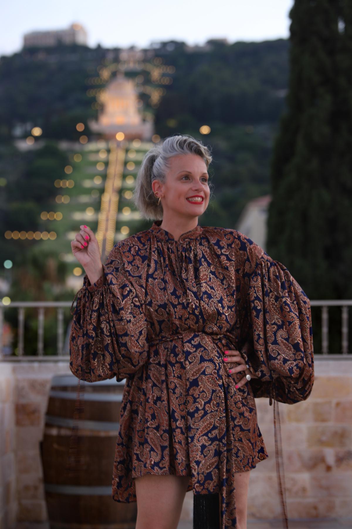 שירי ויצנר חיפאית לובשת אריאל טולדנו שמלת סולטנה עגילים רובי סטאר אתר מארק אופנה ישראלית6