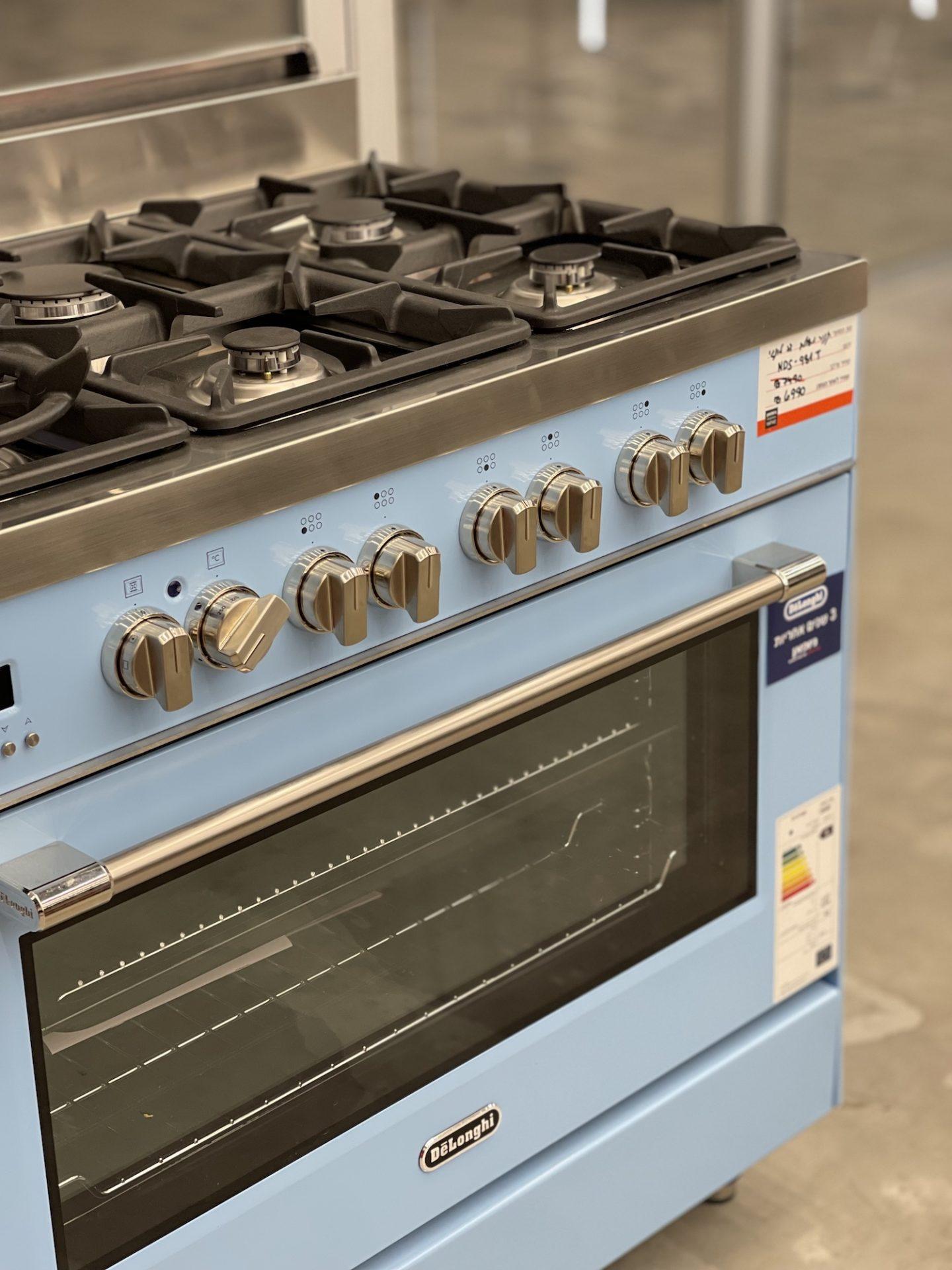 תנור עומד בסגנון וינטג׳ דלונגי ניופאן גורמה במתחם העיצוב רידיזיין redesign11